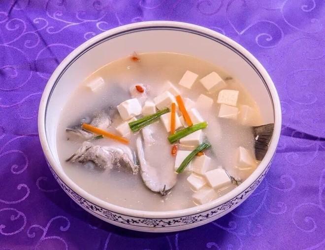 板栗育儿-鲈鱼豆腐汤